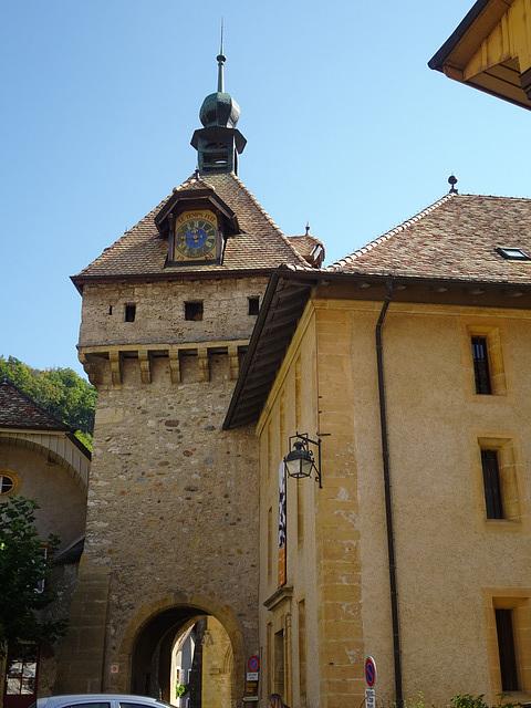Eingang zum Kloster Romainmôtier