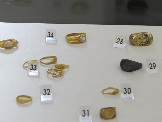 Musée archéologique de Split : bagues.