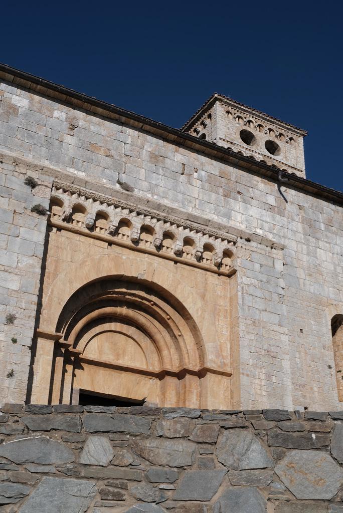 Esglesia de Santa Cecilia, Molló