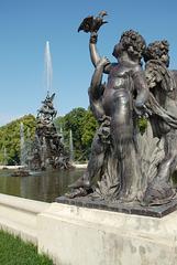 Skulpturen am Fama-Brunnen