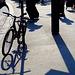 ... un vélo et des ombres ...