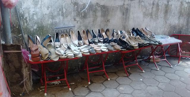 Chaussures de marché / Used market shoes