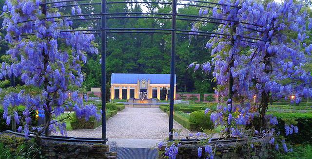 Lilac blue entrance