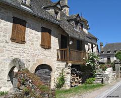 SAINT-JULIEN AUX BOIS Corrèze