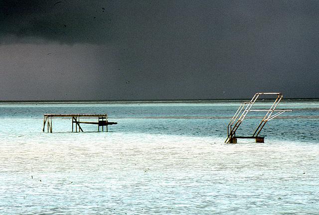 Die Malediven ein Schwimmbecken ohne Grenzen