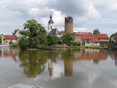 Die Kirche St. Marien und der Bergfried in Triptis