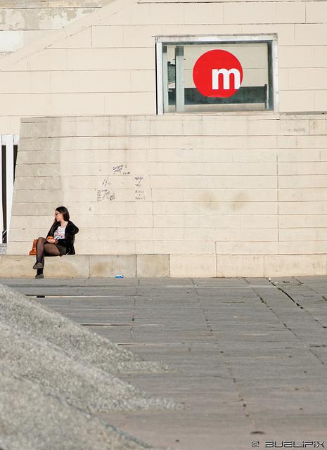 warten ... vor der Metrostation Alameda (© Buelipix)