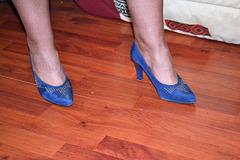 Chantal en talons hauts / Chantal's high heels - Amie de Claudine's friend.