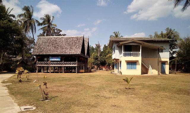 Architecture laotienne / Laotian architecture