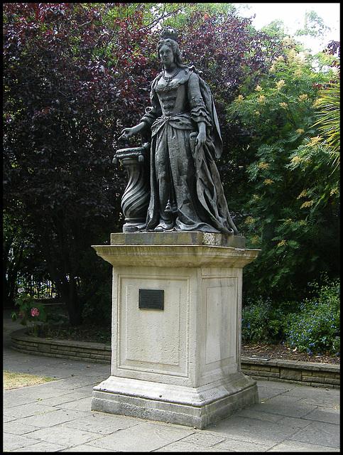 Queen Charlotte statue