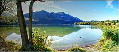 Beginnender Herbst am Weissensee. Beginning autumn on Lake Weissensee. ©UdoSm