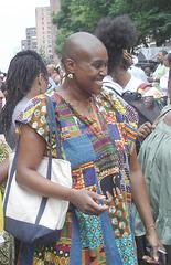 Bald head sexy black Lady / Dame noire chauve aux atouts irrésistibles.