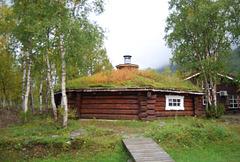 Maison au toit prairie