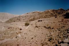 Starting the ascent of Jebel Al-Madhbah.