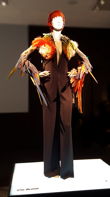 Mode [2] ... federleicht ...
