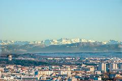 Lyon, la brume, les Alpes en fin d'après midi.