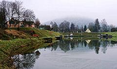 Winterruhe im Schutzhafen von Gemünden am Main / Winter Dormancy at the Refuge Port of Gemünden