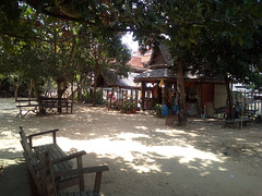 Sit down and meditate.......asseyez-vous et méditez....(Laos)