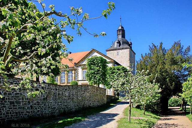 Hundisburg, zwischen Barock- und Obstgarten