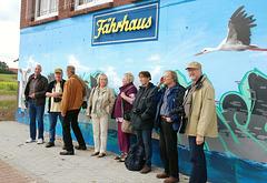 Gruppenbild vor dem Fährhaus Bleckede im August 2011
