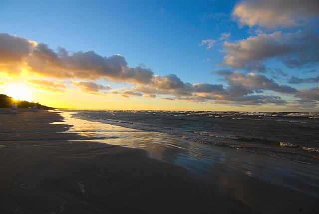 Sonnenuntergang am Strand von Jūrmala