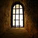 Drei Fenster einer Krypta (2)