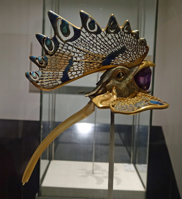 Lalique's Art Nouveau jewellery, Gulbenkian Museum, Lisbon.