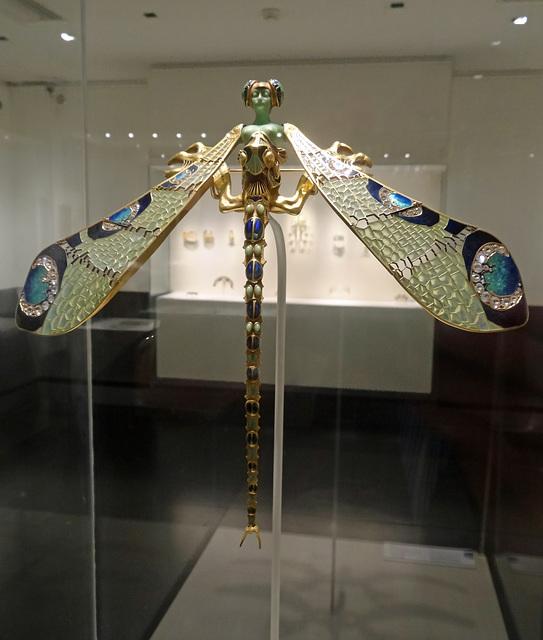 Lalique. Dragonfly. Gulbenkian Museum, Lisbon.