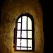 Drei Fenster einer Krypta (1)