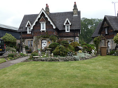 Ilam- Alpine Cottage