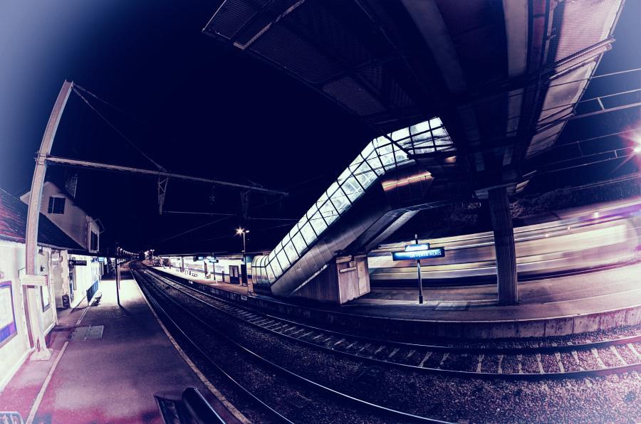 veuillez descendre, terminus du train