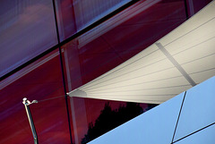 Sonnensegel am Stahl-Glas-Palast