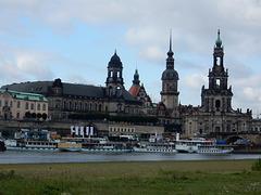 18 Ständehaus, Schloss, Kathedrale u. Dampferanlegestelle