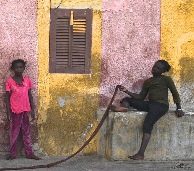 Jeunes filles et corde à danser