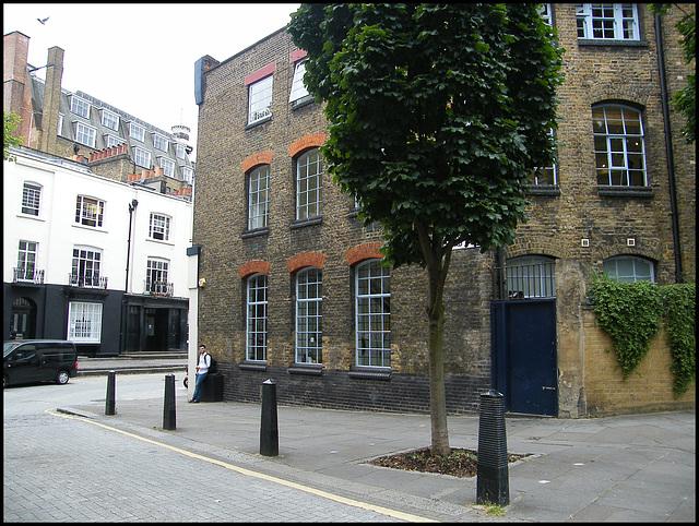 Duke's Road corner