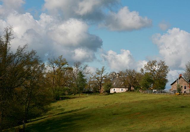 Dans le village . Haut-Cantal