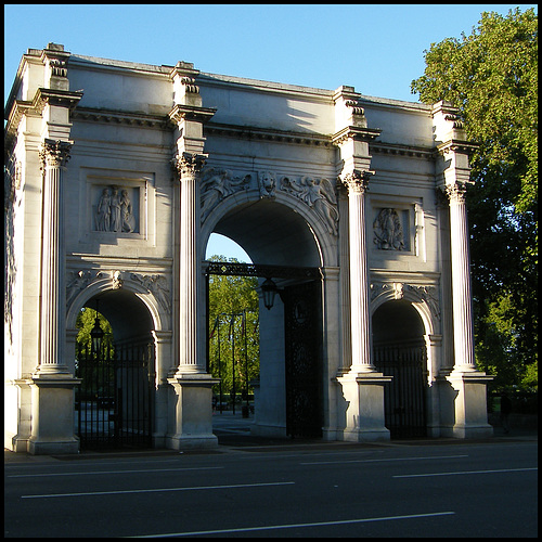 grand arch to nowhere