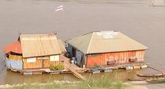 Architecture flottante sur Mékong
