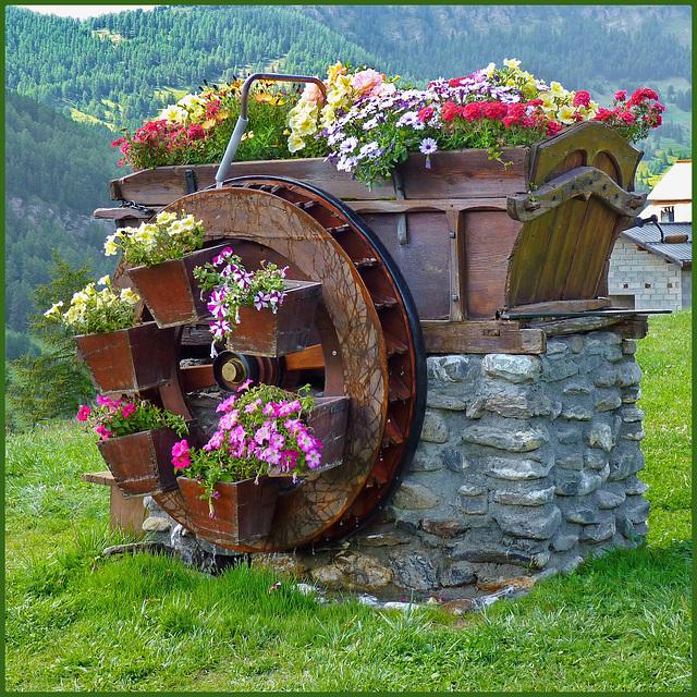 Molines-en-Queyras : mulino ad acqua funzionante - (861)