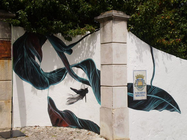 Painted by Pantónio on wall of Cerca House.