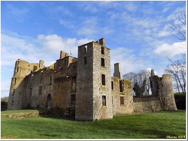"Ruined medieval castle ""Bois Thibault"""