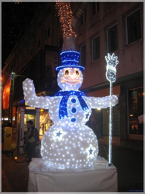 Leuchtender Schneemann / Luminous Snowman
