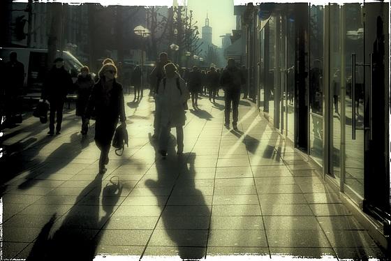 Last minute shopping (PiP)
