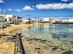 Dos mil kilómetros al sur. . . .  Isla Graciosa ( Lanzarote ).