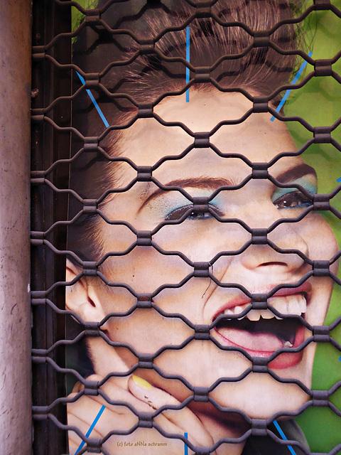 HFF - hinter Gitter
