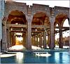 Sharm el Sheikh : una vasta zona coperta e ben illuminata per accedere alla  Salam Mosque