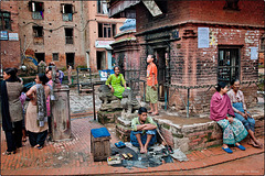 Scène de rue à Bhaktapur