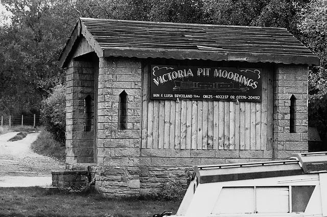 Victoria Pit Moorings on the Macclesfield Canal