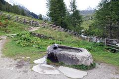 Trinkbrunnen an der Heilg Geist Kirche in Karsern - HFF  (Picin Pic)