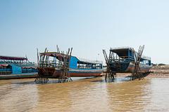 Schiffswerft am Tonle Sap Fluss (© Buelipix)